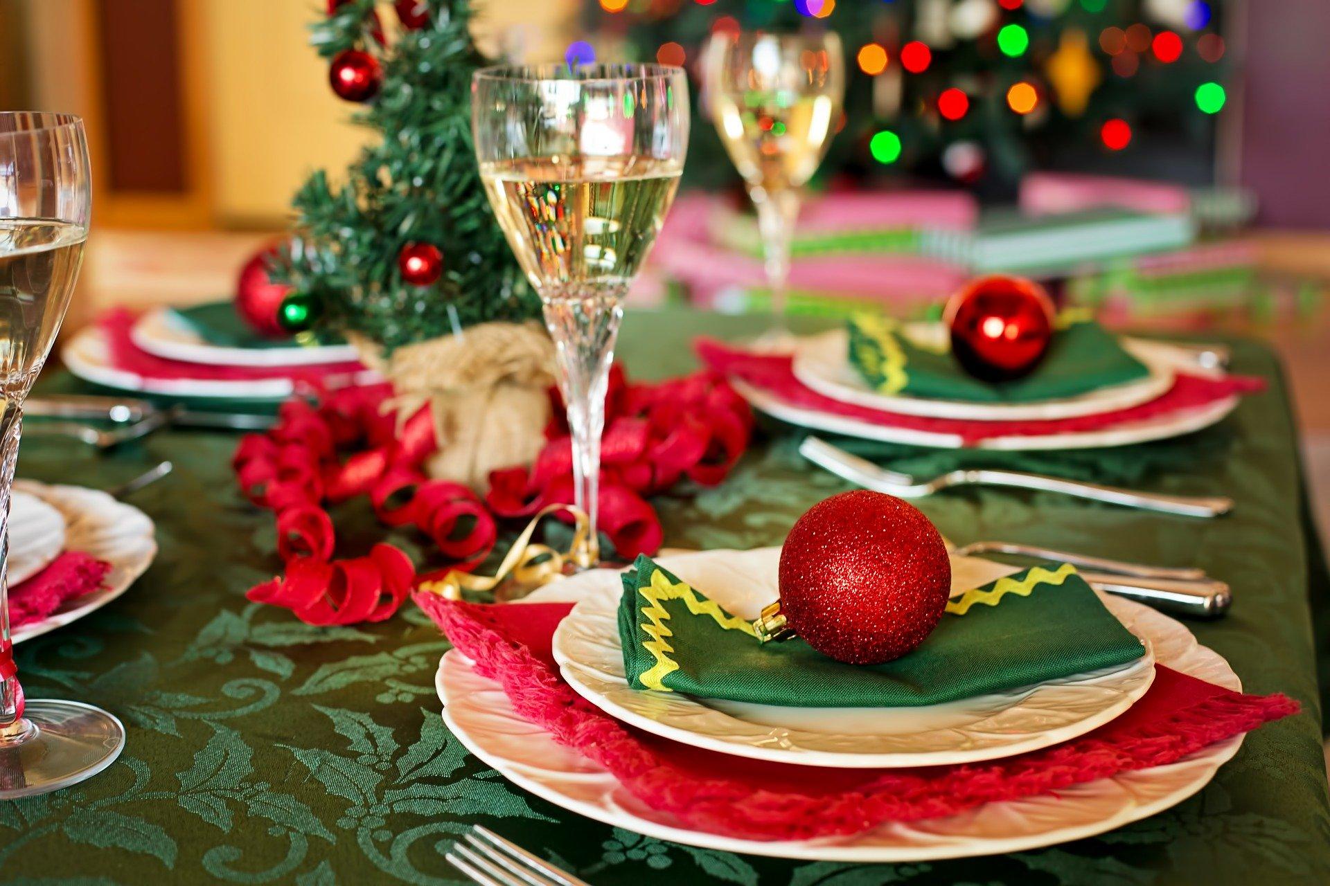 Decorare la tavola natalizia: ecco alcune idee utili